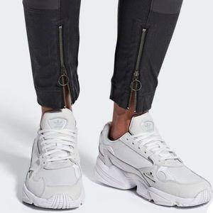 NWT Adidas Torsion